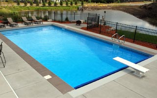 Vinyl pools concrete pools mn Rectangle vs round pool